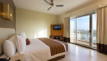 Habitación king estándar Hotel Krystal Urban Cancún Cancún