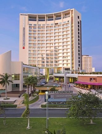 Fachada Hotel Krystal Urban Cancún Cancún